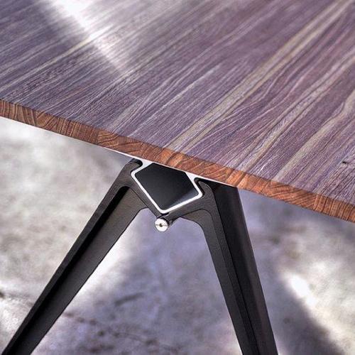 Grip-moedebord-konferencebord-trae