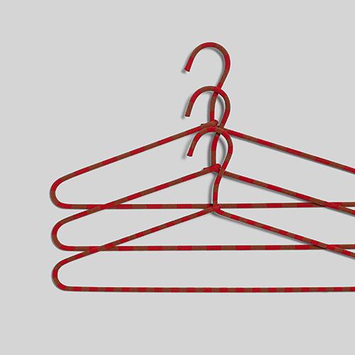 cord hanger b jler fra hay farvede b jler til garderoben design kontorm bler. Black Bedroom Furniture Sets. Home Design Ideas