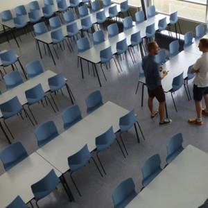 Kantinestol – Cast – kontorindretning -konferencestole-stabelstole