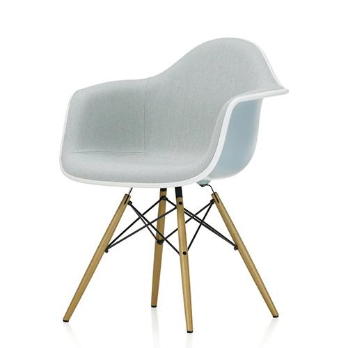 Vitra---Eames---Design---Kontormoebler---Eames-Plastic-Arm-Chair-DAW